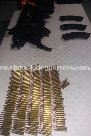 Recuperan Policía Estatal y Ejercito Mexicano en Zihuatanejo 6 Vehículos, equipo táctico.