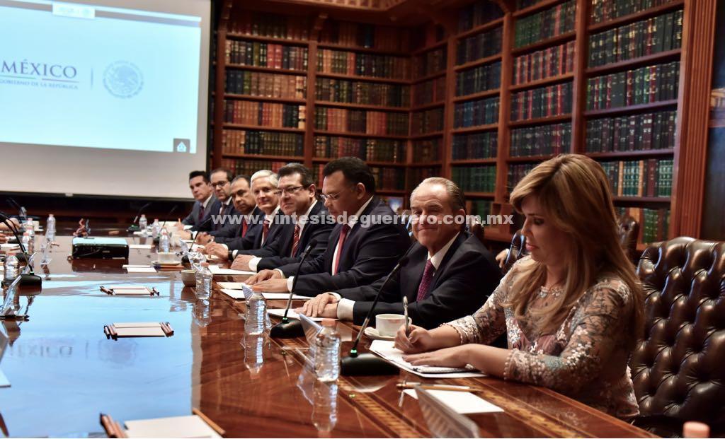 Comunicación Permanente con SEGOB para garantizar seguridad en el Estado, acuerdan Astudillo y Navarrete Prida