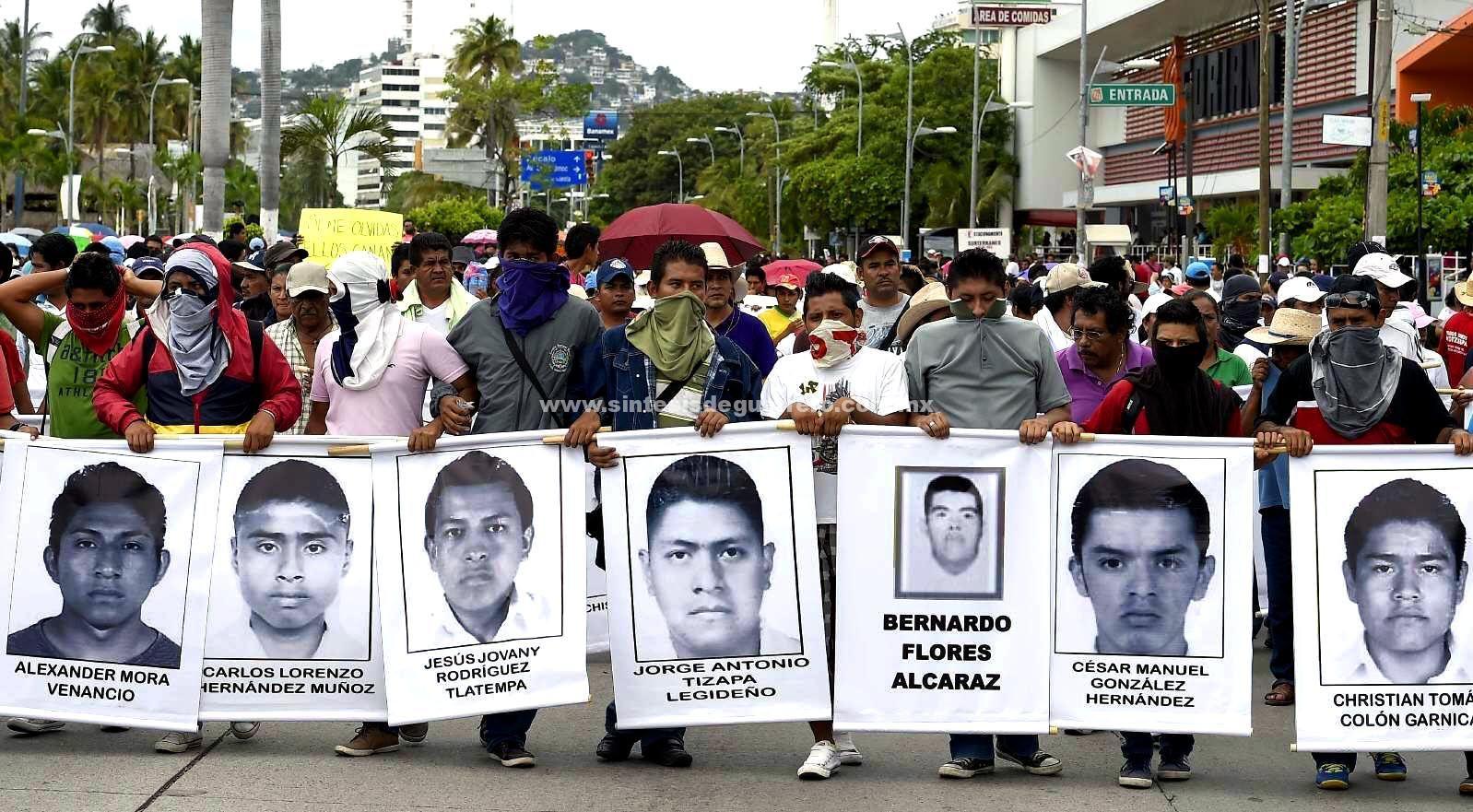 """""""Se van muriendo los familiares, sin ver de regreso a los 43"""": Felipe de la Cruz"""