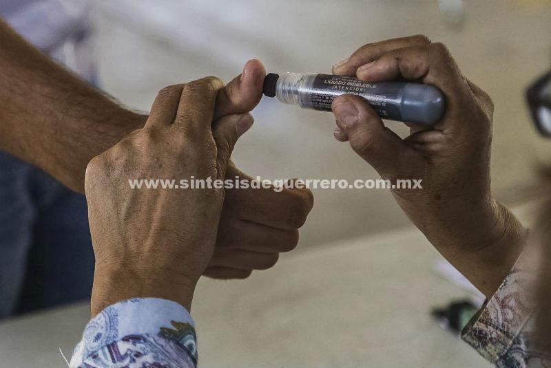 Realizan elecciones extraordinarias en Veracruz