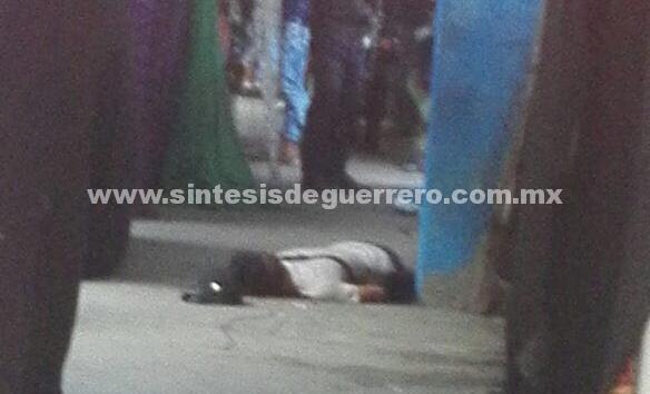 Ejecutan a un joven en Las Cruces; niño de 4 años recibe bala pérdida en la cabeza