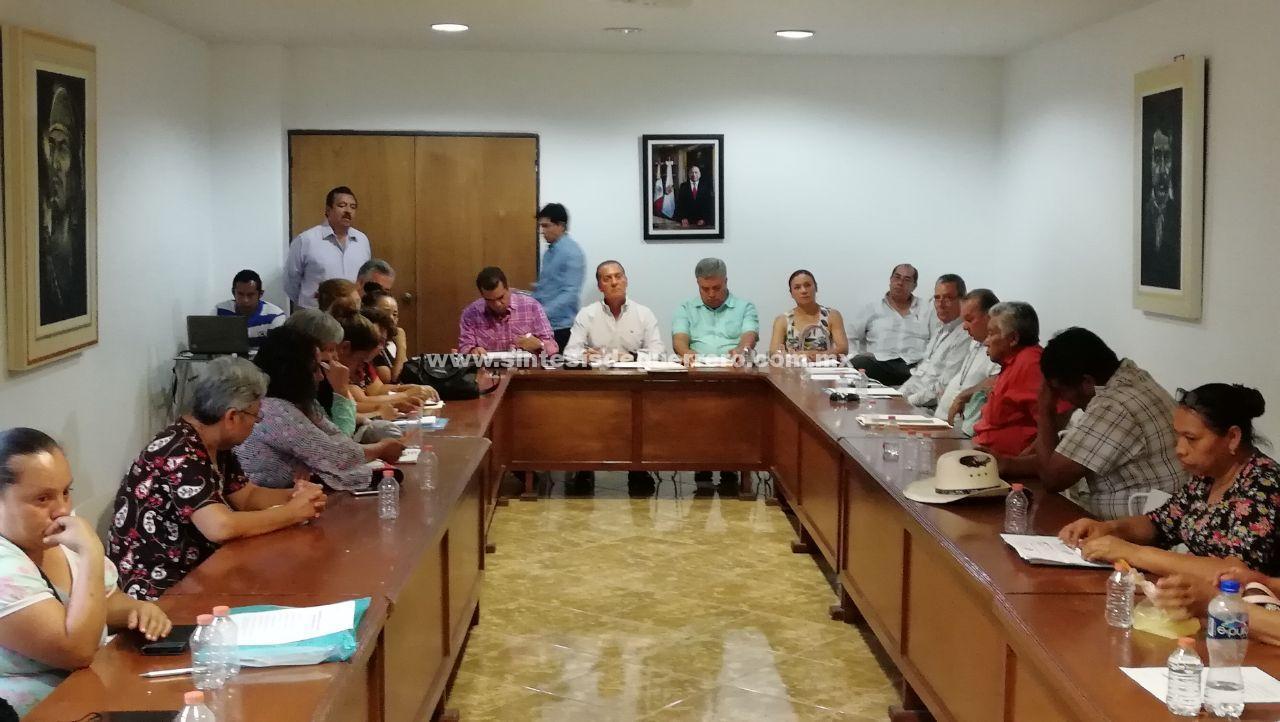 Colectivos de desaparecidos reclaman a la SEG, al menos 500 becas para hijos de las víctimas