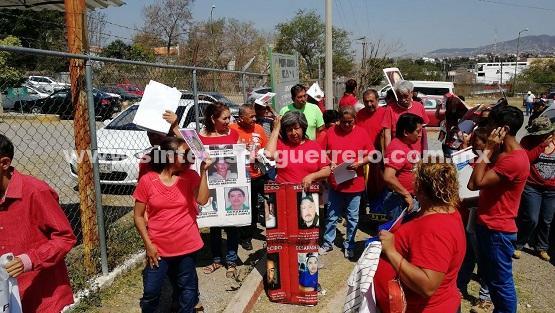 Busca Caravana Internacional a sus desaparecidos en cárceles y Semefos de Guerrero