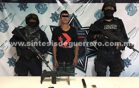 Aseguran Policías Estatales en Zihuatanejo a un masculino en portación de subametralladora uzi y droga
