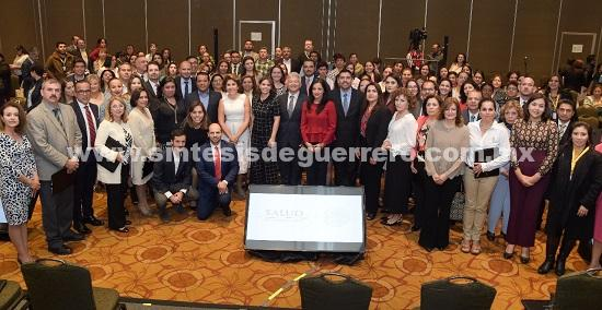 Mercedes Calvo de Astudillo participó en la firma del convenio de colaboración con el DIF Nacional