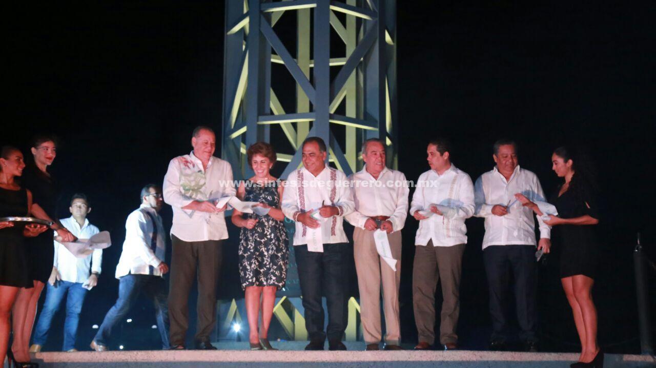 Inaugura Héctor Astudillo la escultura alma imperial del artista Jorge Marín