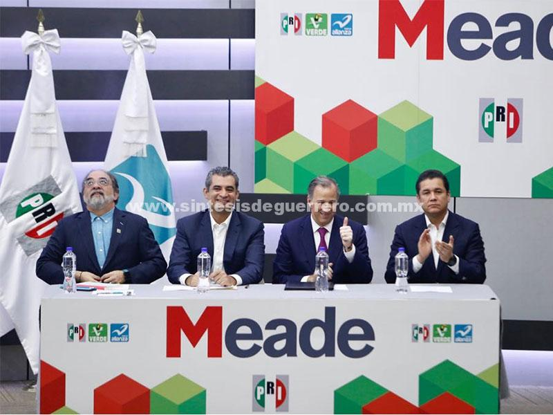 Inscribe PRI a Meade como su candidato presidencial