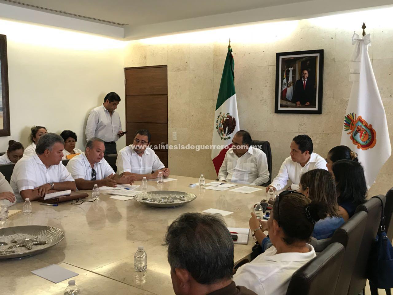 (Video) Reconoce Evodio voluntad política y compromiso de Astudillo por atender a familiares de desaparecidos