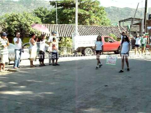 En San Luis San Pedro, niños llevan 4 años recibiendo clases en aulas improvisadas