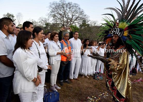 Más de dos mil personas asisten al equinoccio de primavera en Tehuacalco