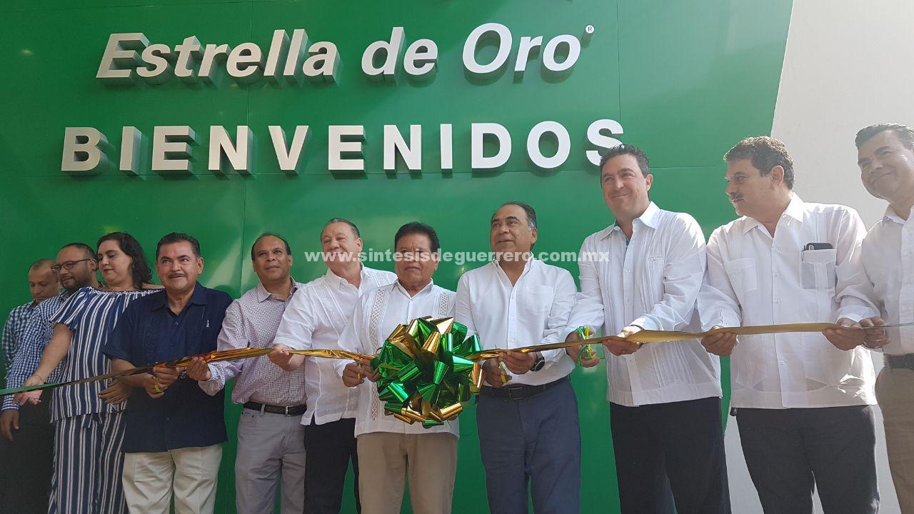 Inaugura Astudillo Flores la remodelación de las instalaciones de la Terminal Estrella de Oro en la ciudad de Chilpancingo.