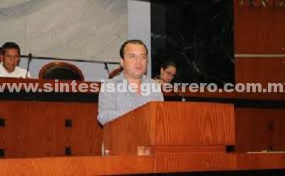 Irving Adrián Granda Castro presentó una iniciativa de reformas a la Ley de Acceso de las Mujeres a una Vida Libre de Violencia.