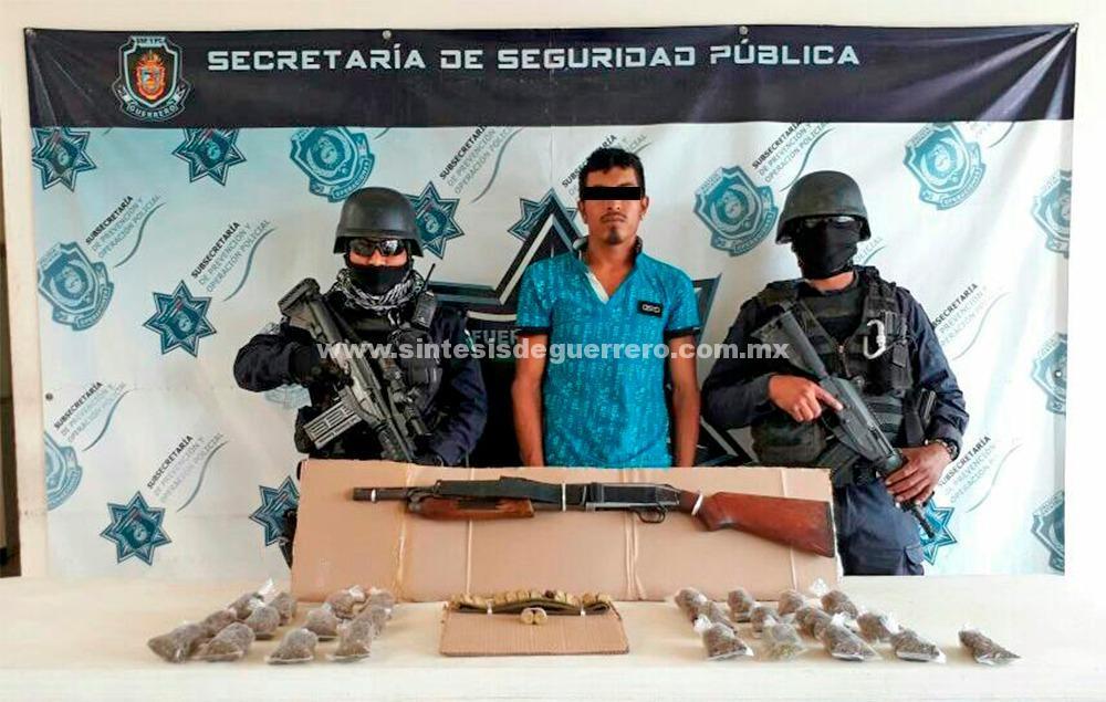 Aseguran Policías Estatales en Zihuatanejo a un hombre en poder  de un arma de fuego y probable droga