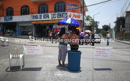 Tachan de incompetente Jesús Tejeda por no resolver el problema de desabasto de agua