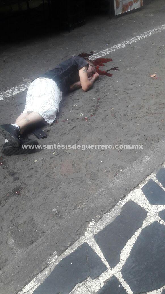 Persiguen y ejecutan a un hombre en el mercado de Taxco de Alarcón