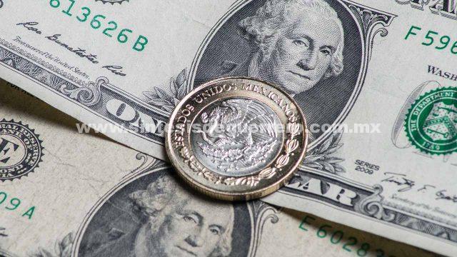 Dólar baja de 18 pesos, su mejor nivel en 7 meses