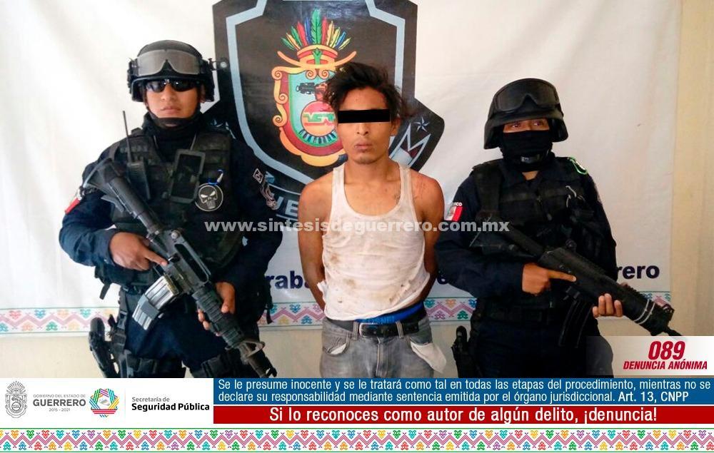 """personal del GTRI """"Centauro"""" y policia Estatal en Acapulco aseguró a masculino y 5 vehículos"""