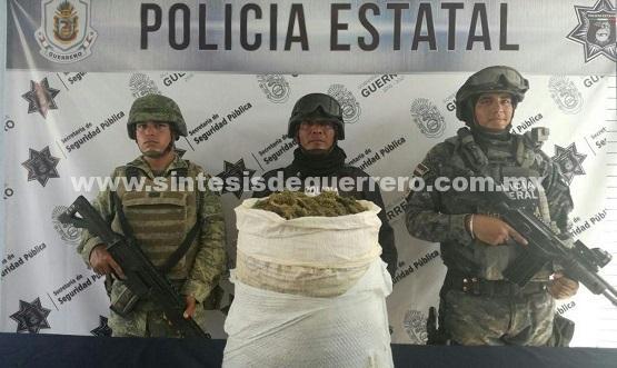 Policía Estatal, Ejército Mexicano y Gendarmería aseguraron en Cutzamala de Pinzón un costal con 5 kg de probable marihuana