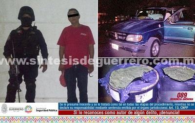 Policía Estatal y Ejército Mexicano aseguraron en Bajos del Ejido a un masculino en posesión de 100kg de probable marihuana