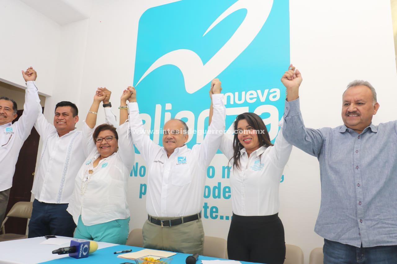 Presenta Nueva Alianza a Manuel Añorve como su candidato a senador