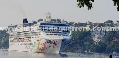 Arriba a Acapulco el crucero Norwegian Pearl