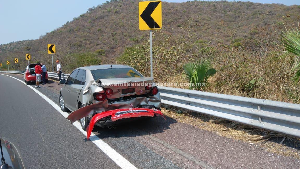 Un muerto y tres heridos, tras choque en la Autopista del Sol