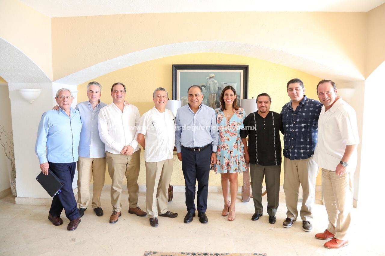 Revisa gobernador Astudillo temas de seguridad patrimonial en el marco de la Jornada Nacional del Notariado Mexicano en Acapulco
