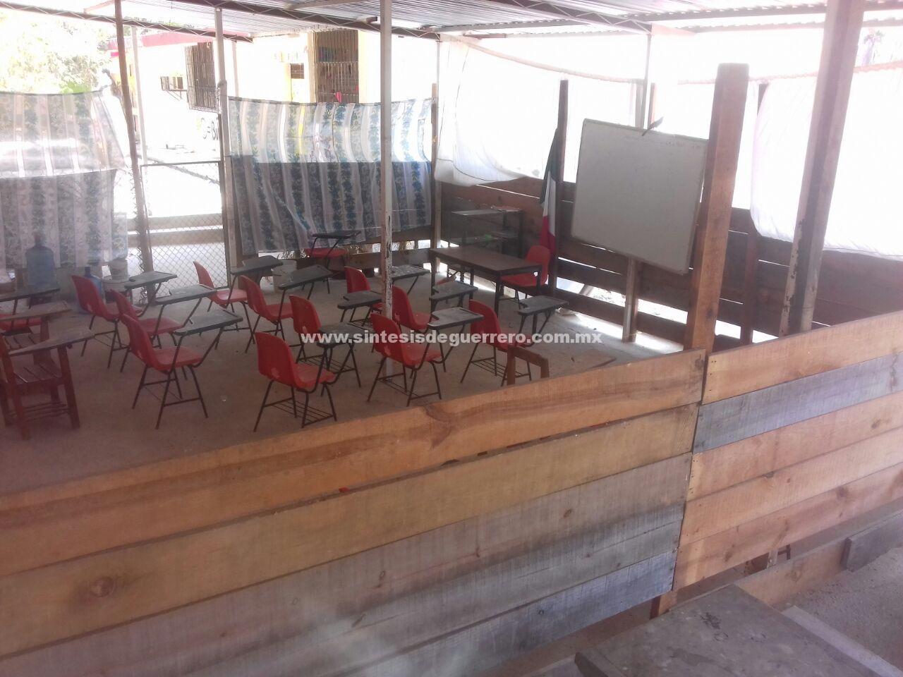 Incumple Igife con reconstrucción de escuela en San Luis Acatlán; en riesgo, casi 400 alumnos