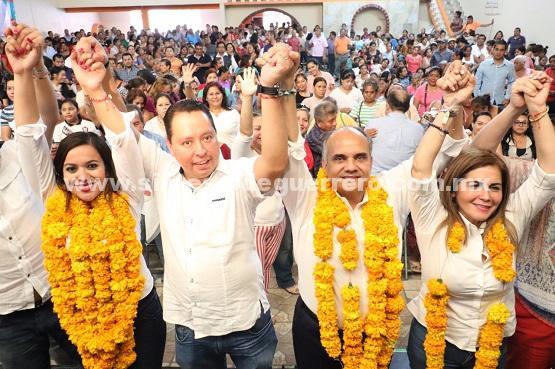 En Chilpancingo, Manuel Añorve y Gaby Bernal, presentan propuestas en Foro Ciudadano Construyendo Guerrero.
