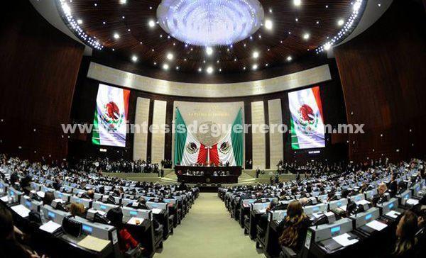 Diputados aprueban quitar fuero a funcionarios públicos, incluido el Presidente