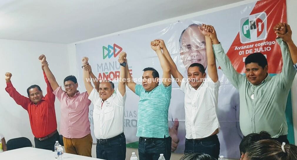 Transportistas y lideres sociales del Grupo Guerrero de David Jiménez Rumbo y militantes perredistas se suman al proyecto de Añorve.