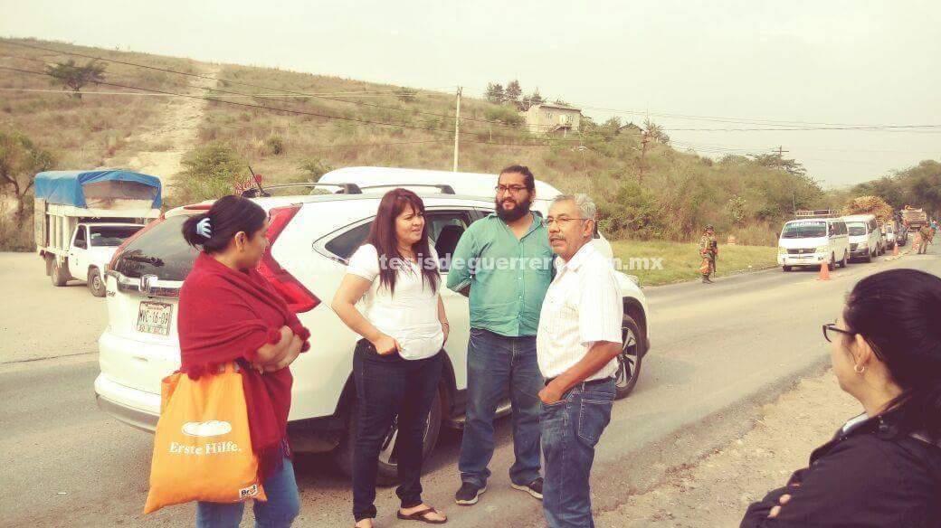 Ejército retiene a Nestora Salgado en Chilapa, porque llevaba de escoltas a policías comunitarios