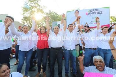Unidad, fuerza y compromiso destaca Añorve en arranque de campaña de Jorge Sánchez Alecc en Zihuatanejo.