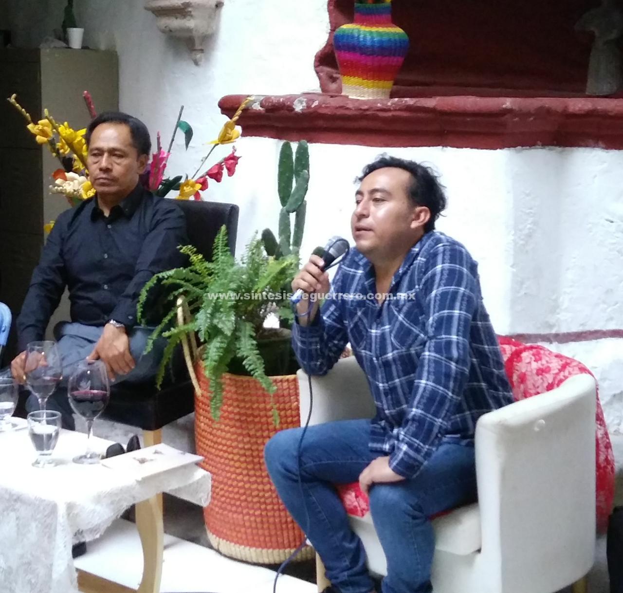 """Lectura de obra de Francisco Trejo, """"El tábano canta en los hoteles"""" en el Centro Cultural Casa Borda"""