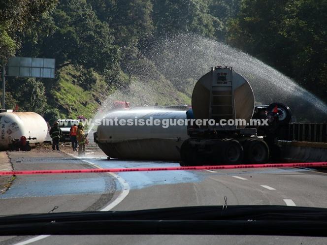 (Video) Luego de 15 horas, abren la carretera México-Cuernavaca