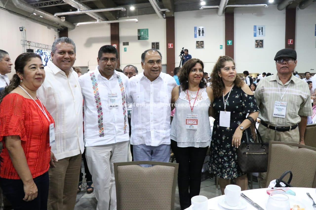 Reconoce el gobernador la labor de maestras y maestros en Guerrero para mejorar la calidad educativa