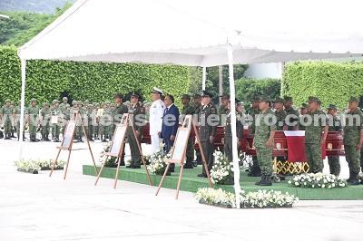 Despiden con honores a los tres militares caídos en Tierra Caliente