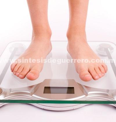 La alimentación  diaria de un adulto no debe rebasar las 1,500 calorías, indica nutrióloga del IMSS