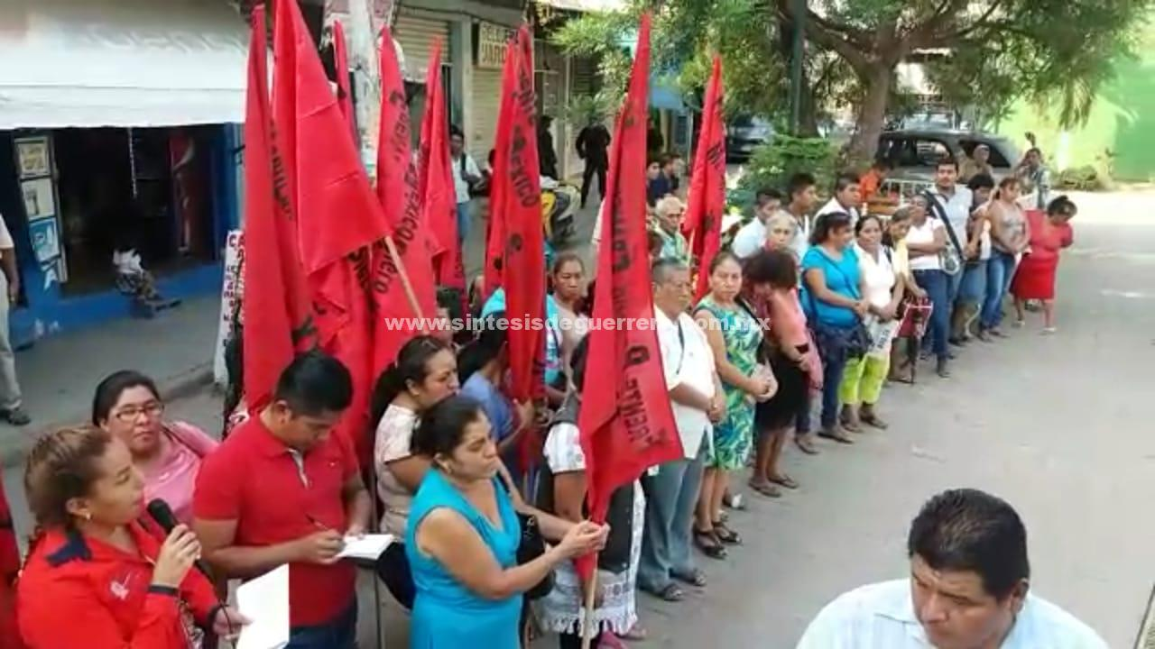 Conmemoran 51 aniversario de masacre en Atoyac
