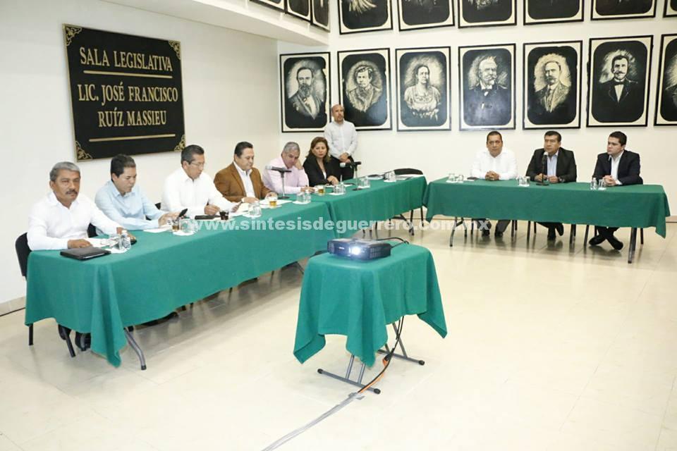 Presentan los tres aspirantes a ocupar la Fiscalía General del Estado su plan de trabajo