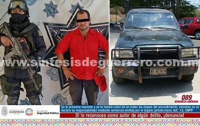 Policía Estatal y Ejército Mexicano aseguraron en Petatlán a un masculino en posesión de un vehículo con reporte de robo