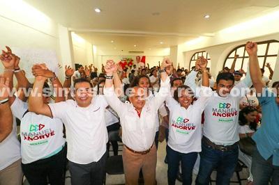 Siguen sumándose perredistas y de otros partidos políticos al proyecto de Manuel Añorve