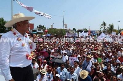 Serenar el país, austeridad y no más abusos del Ejército; ofrece AMLO desde Guerrero