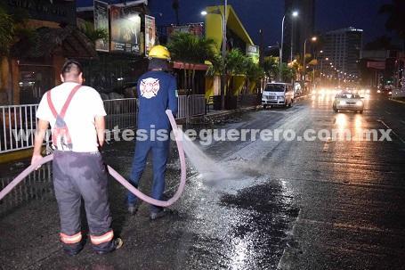 Realizan Zonatur y Servicios Públicos acciones de limpieza en zona turística por AcaMoto 2018