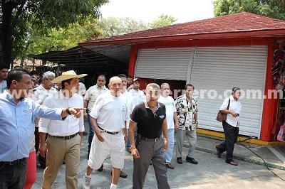 (Video) Supervisa Evodio trabajos de rehabilitación en mercados municipales