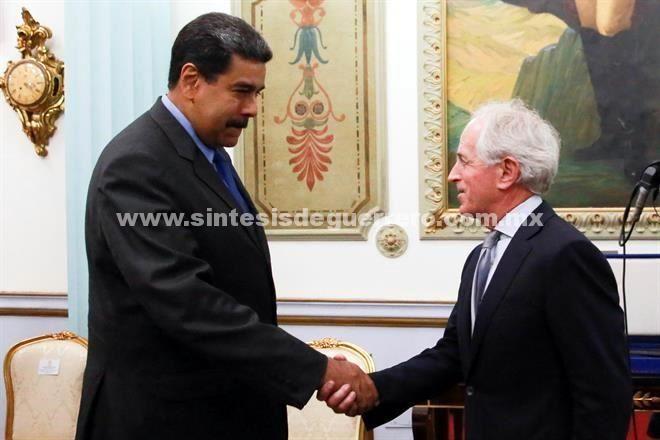 Se reúne Maduro con senador de EU