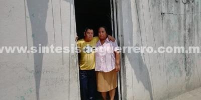 Madre de dos hijos con Síndrome de Down, a punto de ser desalojada de su vivienda en Chilpancingo