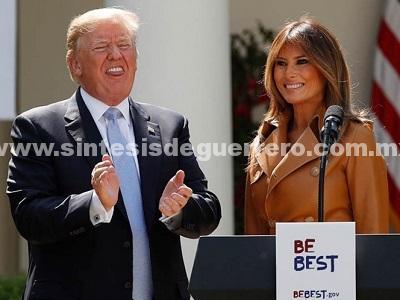 Melania Trump lanza campaña contra ciberacoso