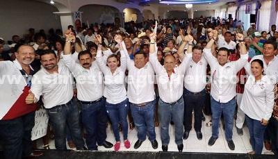 """Más de 5 mil perredistas de Zihuatanejo, encabezados por Jorge Allec de la Asociación Civil """"Podemos Zihua"""" se suman a la campaña de Jorge Sánchez y Manuel Añorve"""