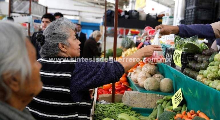 Inflación se desaceleró en abril a 4.55%: Inegi